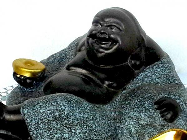 Buddha Yuen Pao-val